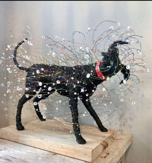 Shake sculpture by Annie Glass