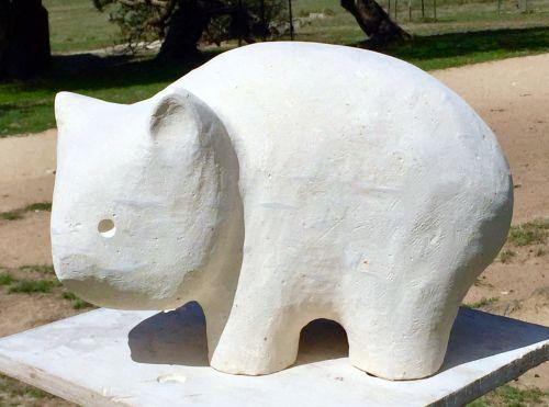 Wombat sculpture by Peter Sanders