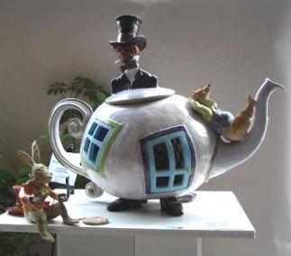 The Madhatter's Tea Pot