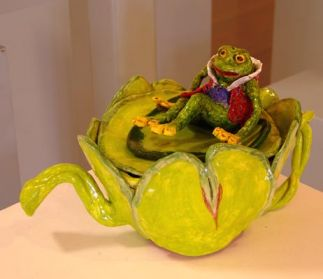 Toad in the Water - Teapot